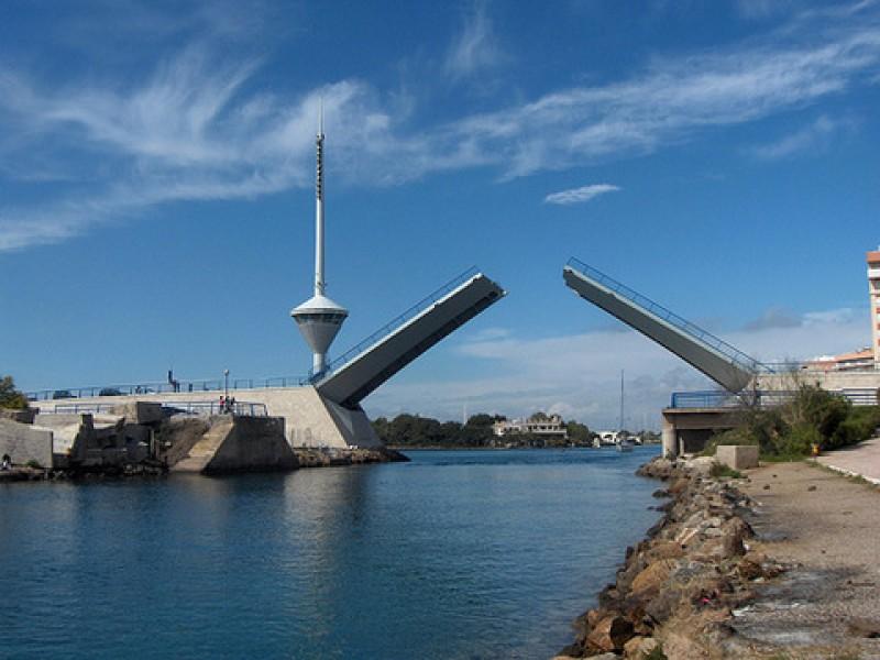 The Puente del Estacio bascule bridge in La Manga del Mar Menor