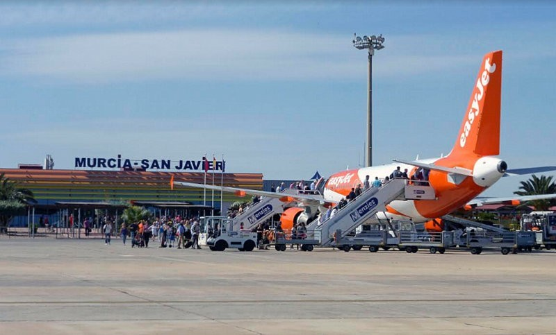 <span style='color:#780948'>ARCHIVED</span> - Winter air traffic increasing at San Javier airport as Corvera prepares to take over
