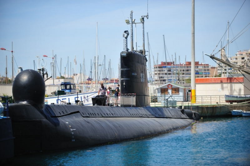<span style='color:#780948'>ARCHIVED</span> - Old submarine could become floating museum in Cartagena