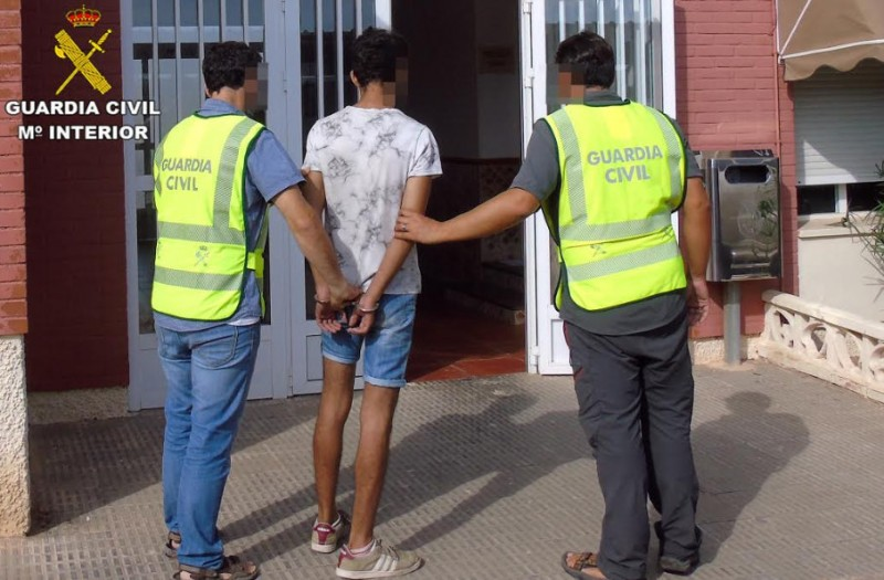 <span style='color:#780948'>ARCHIVED</span> - 2 arrested in connection with 23 burglaries in the Mar Menor area