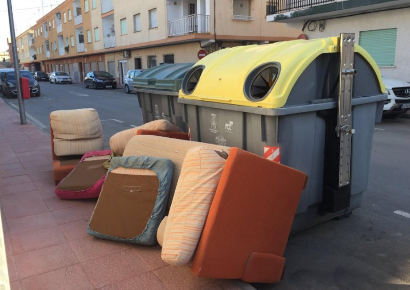 Free unwanted furniture collection service in San Javier