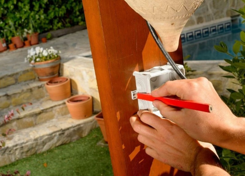 <span style='color:#780948'>ARCHIVED</span> - 18th May, free workshops at Leroy Merlin in Cartagena and Murcia: outdoor and garden lighting