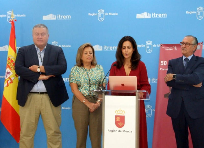 <span style='color:#780948'>ARCHIVED</span> - Corvera airport awarded Murcia University Tourism prize