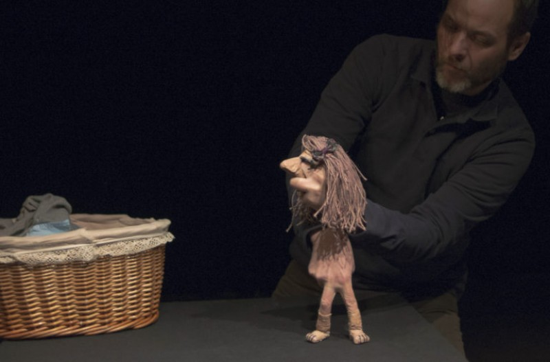 <span style='color:#780948'>ARCHIVED</span> - 10th November, Vida, adult puppet theatre at the Centro Párraga in Murcia