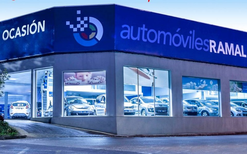 Re-sale and semi-new car sales with a one year warranty: English is spoken!