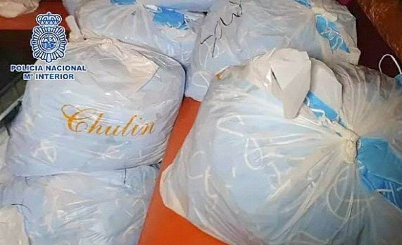<span style='color:#780948'>ARCHIVED</span> - Four million counterfeit face masks seized at Madrid hotel