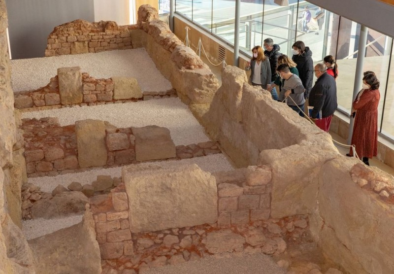 <span style='color:#780948'>ARCHIVED</span> - 2,300-year-old shield and compass discovered at the Punic Wall in Cartagena