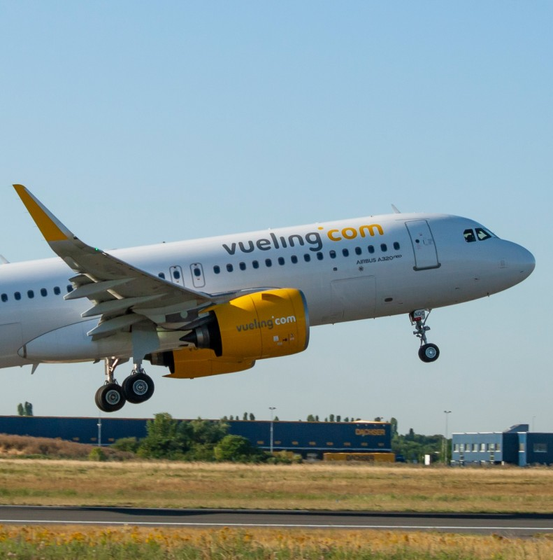 <span style='color:#780948'>ARCHIVED</span> -  Vueling to operate flights from Corvera airport to Barcelona, Bilbao and Santander starting June 18