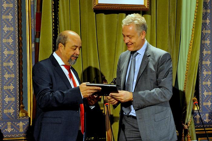 <span style='color:#780948'>ARCHIVED</span> - British Ambassador thanks Mazarrón Town Hall