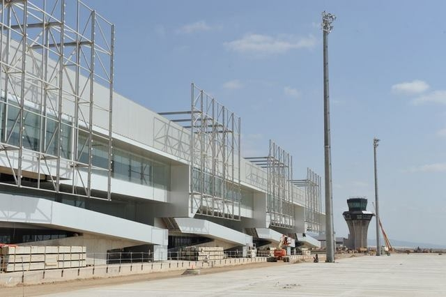 <span style='color:#780948'>ARCHIVED</span> - San Javier airport employees aim to halt opening of Corvera airport